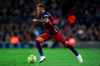 Man U prepare a crazy �173million move with �416,000-a-week contract offer for Neymar