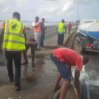 Photo: Fire Outbreak averted in 3rd mainland bridge