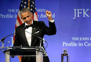 Barrack Obama given courage award from JFK family