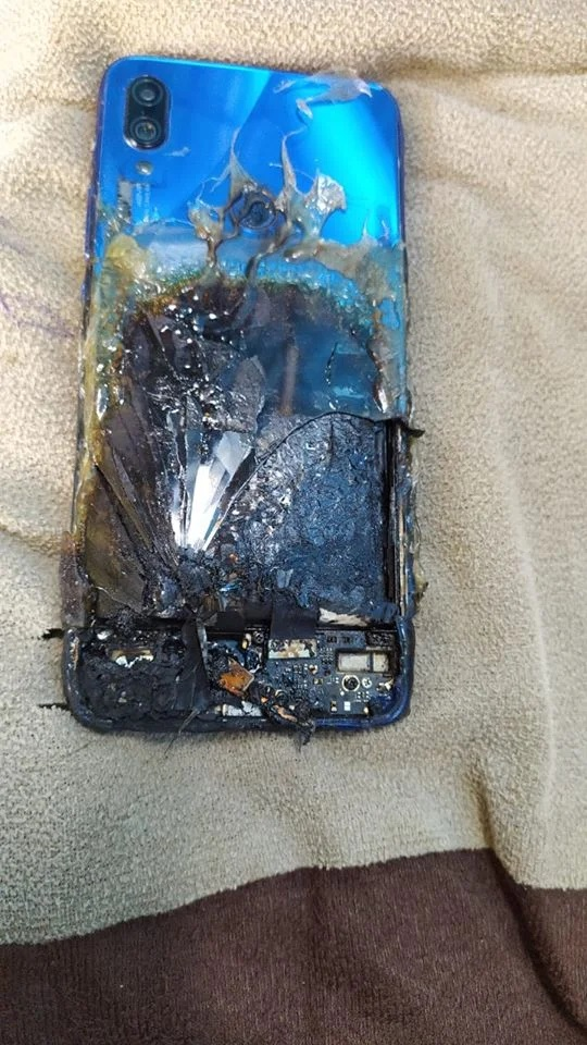 Redmi Note 7S alleged got exploded.
