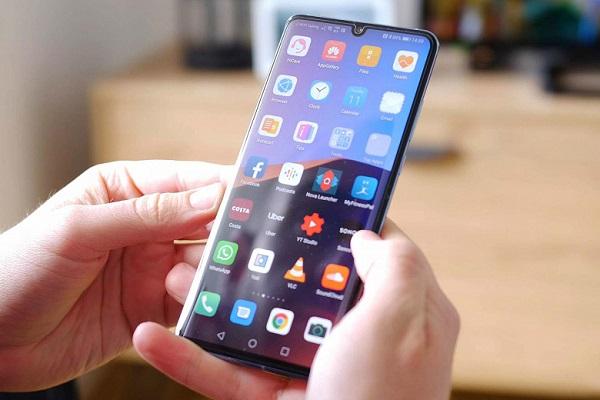 Honor phone running Magic UI
