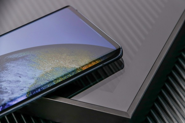vivo X50 Pro curve display