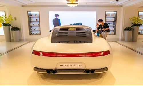 Huawei HiCar Launched