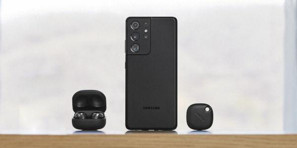 Samsung Galaxy S21 with Galaxy Buds Pro