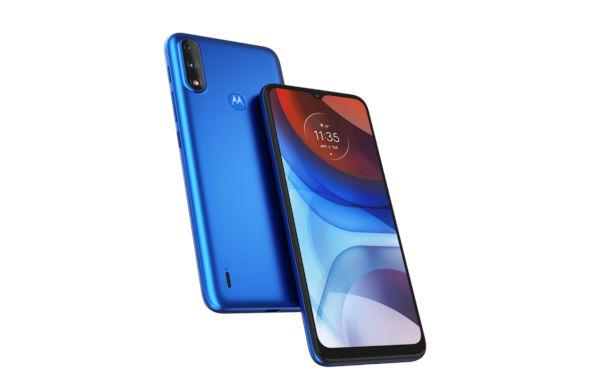 Motorola Moto E7 Power in blue