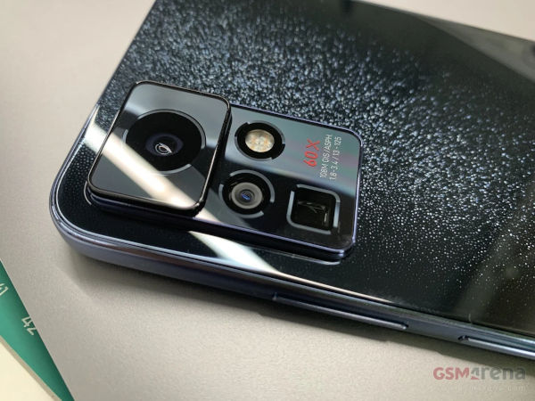 Live shots of Infinix phone with 108MP camera 1
