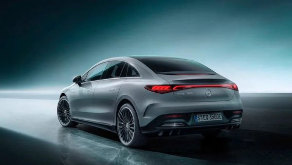 Mercedes Benz unveils the 2022 EQE electric sedan 2